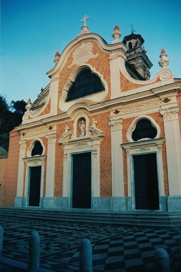 Restauro facciate dipinte Santuario della Pace Albisola Superiore (SV)