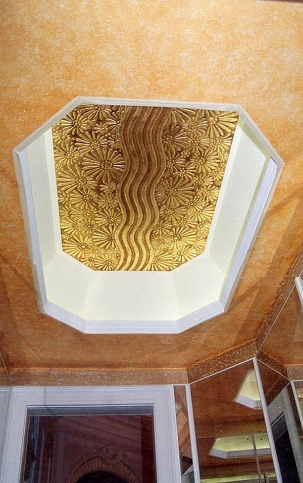 Pareti artistiche – Fiori a rilievo in foglia d'oro