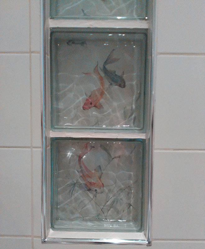 Riciclo creativo di mobili, arredamento creativo, pesci dipinti su vetro