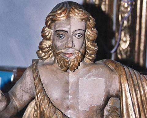 Restauro ligneo scultura policroma: prove di pulitura in fase di restauro