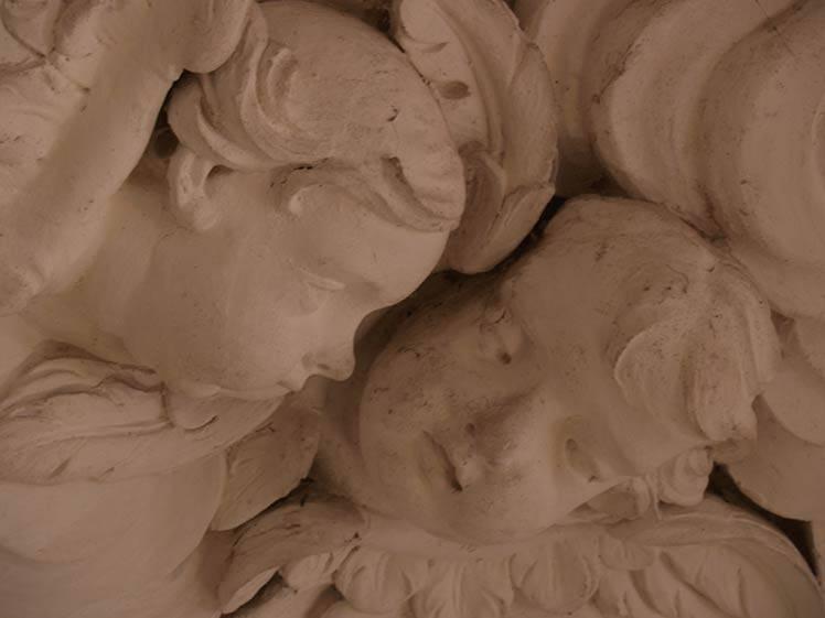 Restauro lapideo nella Cappella interna al Castello di Guarene (CN)