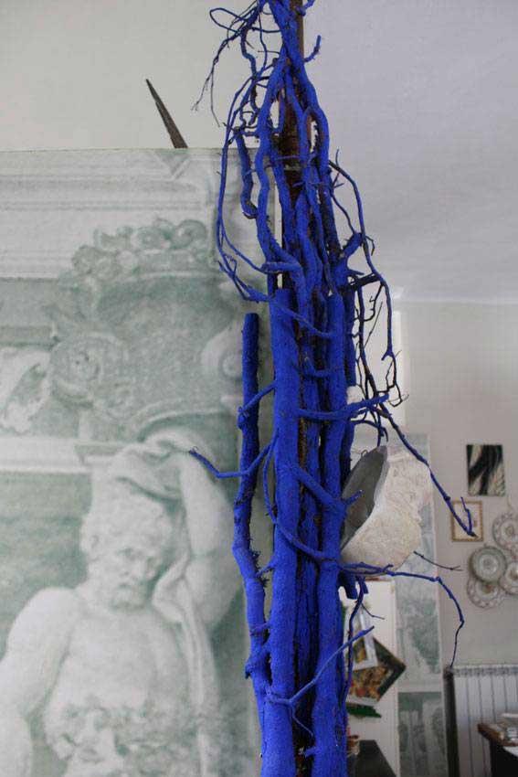 Riciclo creativo edera blu su mobile